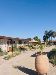 motel_landscape